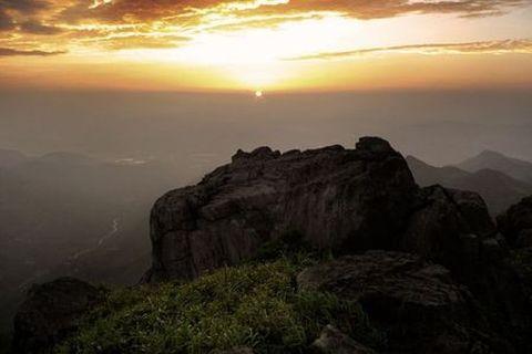 动物园-隆霞湖-摩天岭1晚2日游>青岛出发 赏珍奇猛兽 中国第一太阳神
