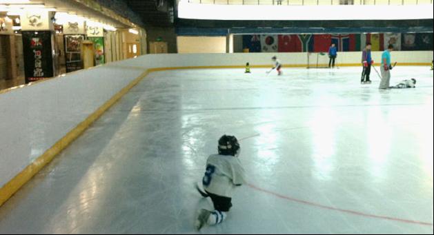 中空的建筑设计; 溜冰场设计图片; [门票/北京出发] 浩泰溜冰场全天