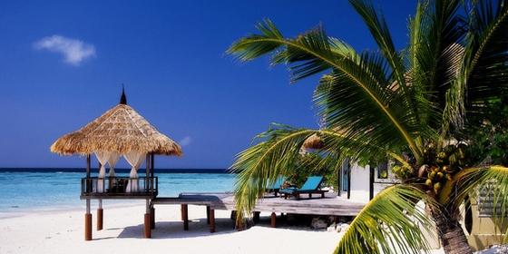 白沙海滩别墅有户外按摩池以及面海的的凉台,从凉台就了望令人大海,清